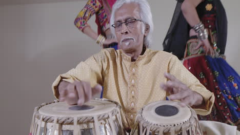 Indian-Percussion-Musician-with-Dancers-03