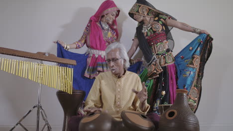 Indian-Percussion-Musician-with-Dancers-05