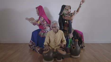 Indian-Percussion-Musician-with-Dancers-07