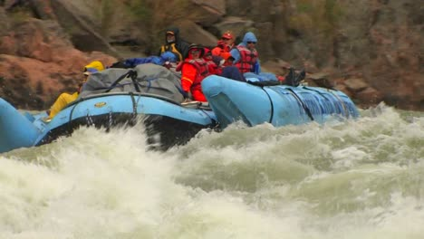 A-rafting-expedition-heads-down-the-Colorado-River-in-the-Grand-Canyon-2