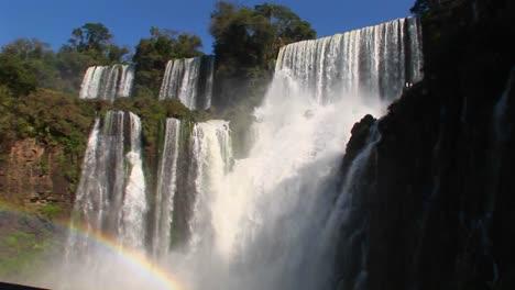 The-spectacular-Iguacu-Falls-on-the-Brazil/Argentina-border