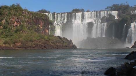 Iguacu-Falls-on-the-border-of-Brazil-and-Argentina