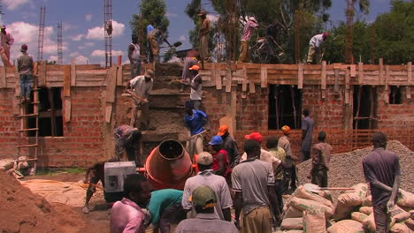 Construction-workers-building-a-house-1