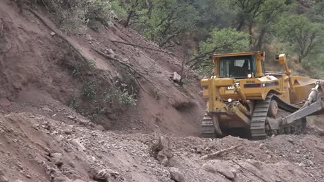 Mexico-Road-Repair-00