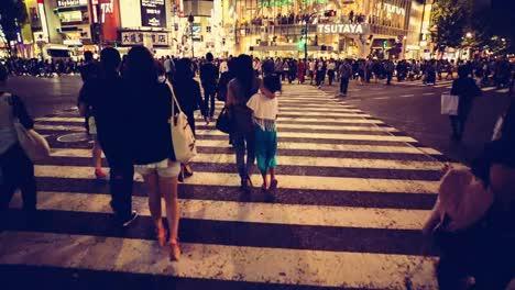 Scramble-Crossing-Tokyo-02