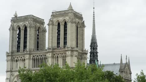 Notre-Dame-Day-23