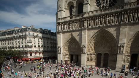 Notre-Dame-Day-02