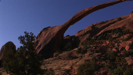 The-beautiful-delicate-arch-spans-across-Utah-s-Arches-National-Park