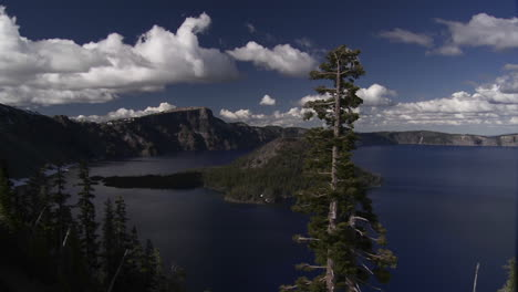 The-beautiful-shores-of-Crater-Lake-Oregon
