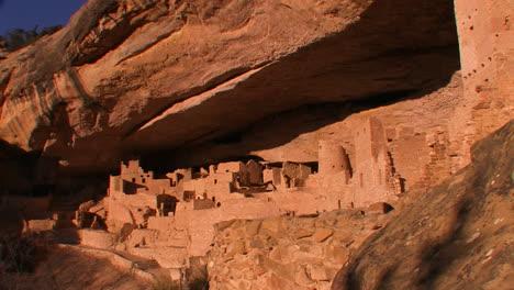 Un-Disparo-Lejano-De-Las-Viviendas-De-Los-Indios-Americanos-En-El-Parque-Nacional-Mesa-Verde-En-Colorado