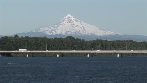 Traffic-near-Portland-Oregon-with-Mt-Hood-background
