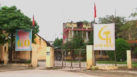 Ein-Lokales-Kommunistisches-Parteigebäude-In-Vietnam