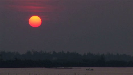 A-sunset-over-the-Mekong-River-in-Vietnam