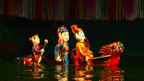 A-traditional-water-puppet-show-in-Vietnam