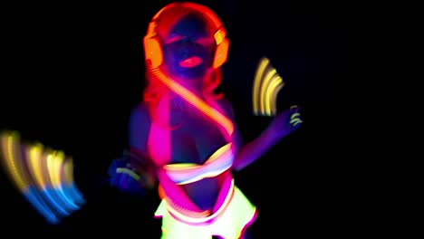 Glowing-UV-Lady-Dancing-25