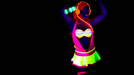 Glowing-UV-Lady-Dancing-42