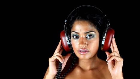 Lady-Wearing-Headphones-07
