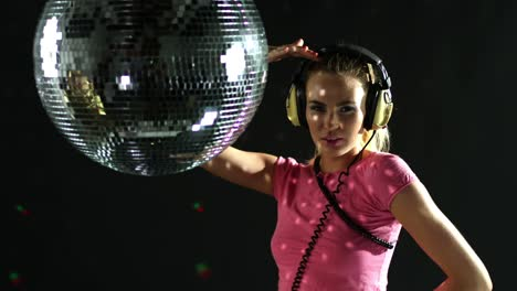 Dancing-with-Discoball-0-04