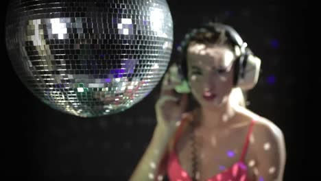 Dancing-with-Discoball-0-27