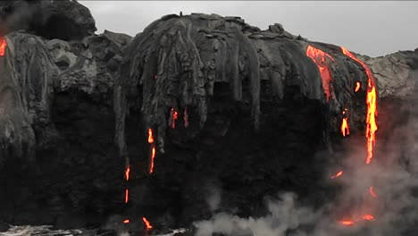Spectacular-dusk-lava-flow-from-a-volcano-into-ocean-suggest-birth-of-planet-1
