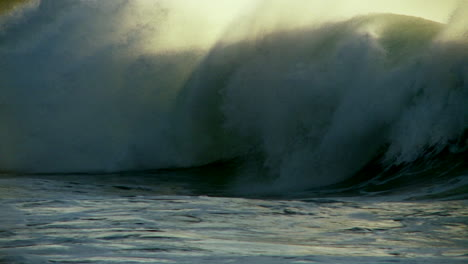 Large-waves-as-they-crest-and-break-in-slow-motion-2