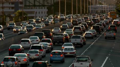 Heavy-traffic-crowds-Honolulu\-s-freeways-in-Hawaii