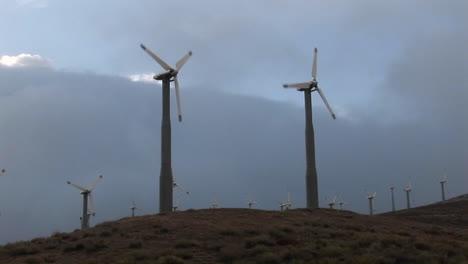 Windmills-generate-power-on-a-hillside-in-california