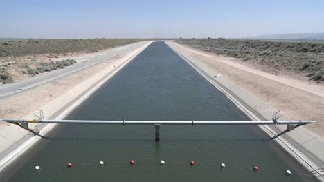 Tilt-up-of-state-water-in-the-California-Aqueduct-near-Lancaster-California