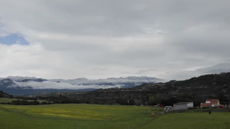 Zoom-in-time-lapse-of-storm-clearing-over-the-mountains-in-Oak-View-California