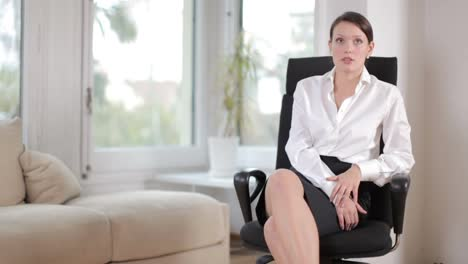Young-Business-Woman-09