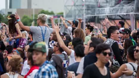 Tokyo-Event-Crowd-10