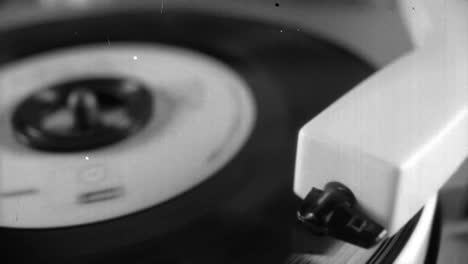 Vintage-Record-Video6