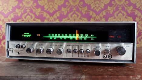 Wallpaper-Radio-05