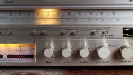 Wallpaper-Radio-09
