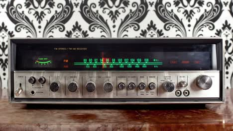 Wallpaper-Radio-12
