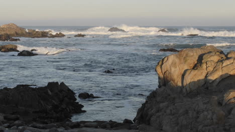 Short-time-lapse-of-waves-breaking-on-Point-Pinos-in-Pacific-Grove-California
