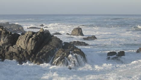 Time-lapse-of-waves-breaking-on-the-rocks-at-Point-Pinos-in-Pacific-Grove-California