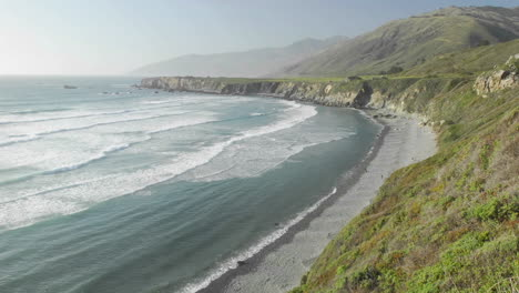 Time-lapse-of-waves-breaking-on-Sand-Dollar-Beach-in-Big-Sur-California-1