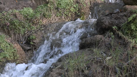 Zoom-out-of-a-small-waterfall-on-the-North-Fork-Matilija-Creek-above-Ojai-California