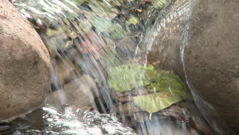 Close-up-zoom-on-a-waterfall-in-Wheeler-Springs-above-Ojai-California