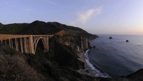Time-lapse-of-sun-setting-on-the-historic-Bixby-Creek-Bridge-and-the-Big-Sur-Coast-in-Big-Sur-California
