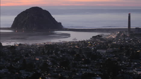 Time-lapse-of-the-evening-lights-appearing-in-Morro-Bay-from-Black-Hills-in-Morro-Bay-California
