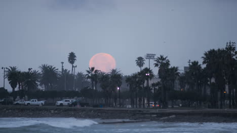 Time-lapse-of-the-full-moon-setting-over-Surfers-Point-in-Ventura-California