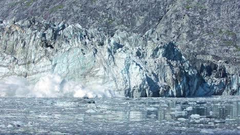 Tidewater-Johns-Hopkins-Glaciar-Parto-En-El-Parque-Nacional-De-Glacier-Bay-Alaska