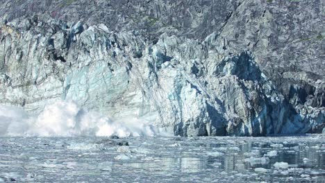 Slow-motion-of-tidewater-Johns-Hopkins-glacier-calving-in-Glacier-Bay-National-Park-Alaska