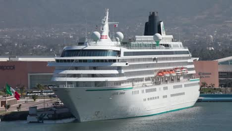 Puerto-Vallarto-Crusieship-02