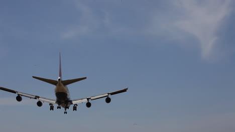 Airplane-Landing-00
