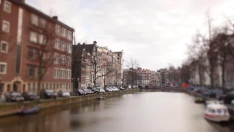 Amsterdam-Canal-06