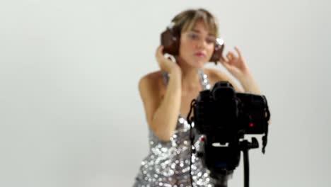 Dancing-Lady-44