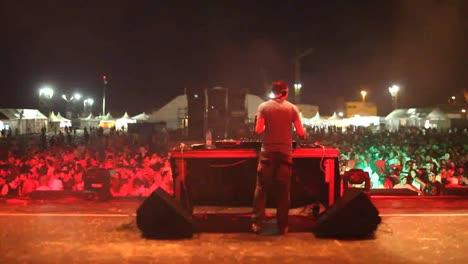Festival-DJ-01